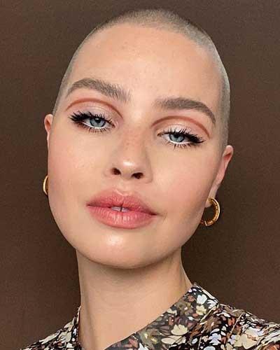 delineado grafico maquillaje simple